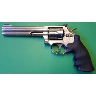 """Smith & Wesson 617 6"""" cal. 22 L.R"""